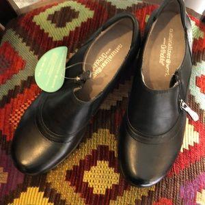 NWT Naturalized Clog for Nursing Non Slip